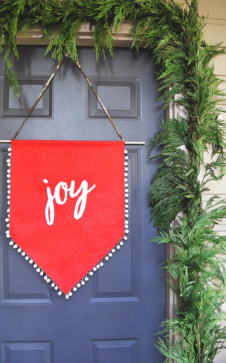 Easy DIY Holiday Joy Banner