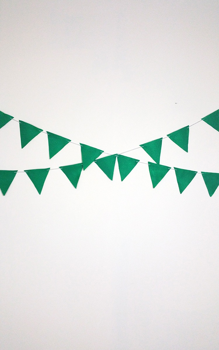 DIY Felt Bunting for Photobooth