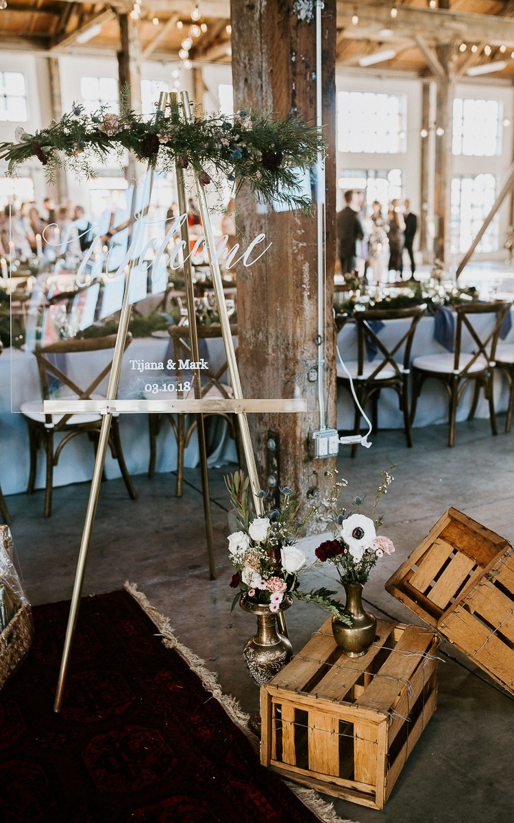 DIY plexiglass table numbers. Easy and simple diy for you wedding