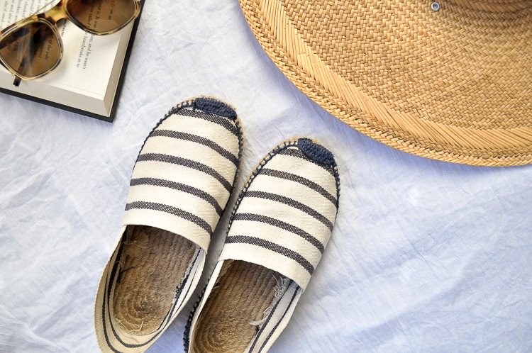 Cleaning espadrilles in 3 easy steps