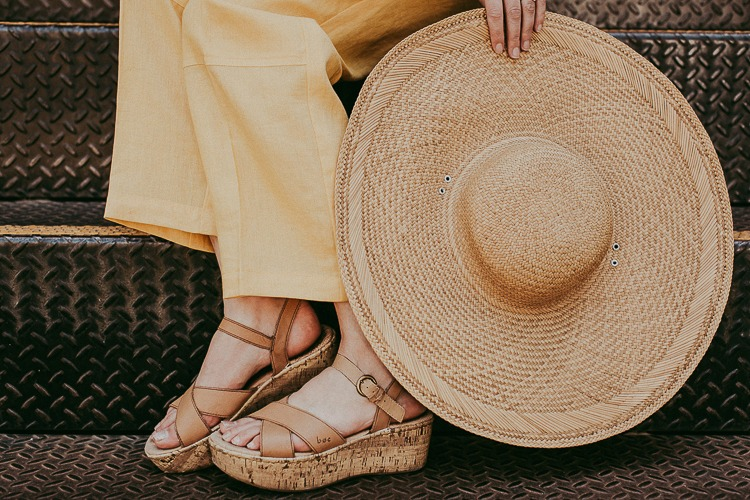 Thrifted accessories: straw hat and sandals