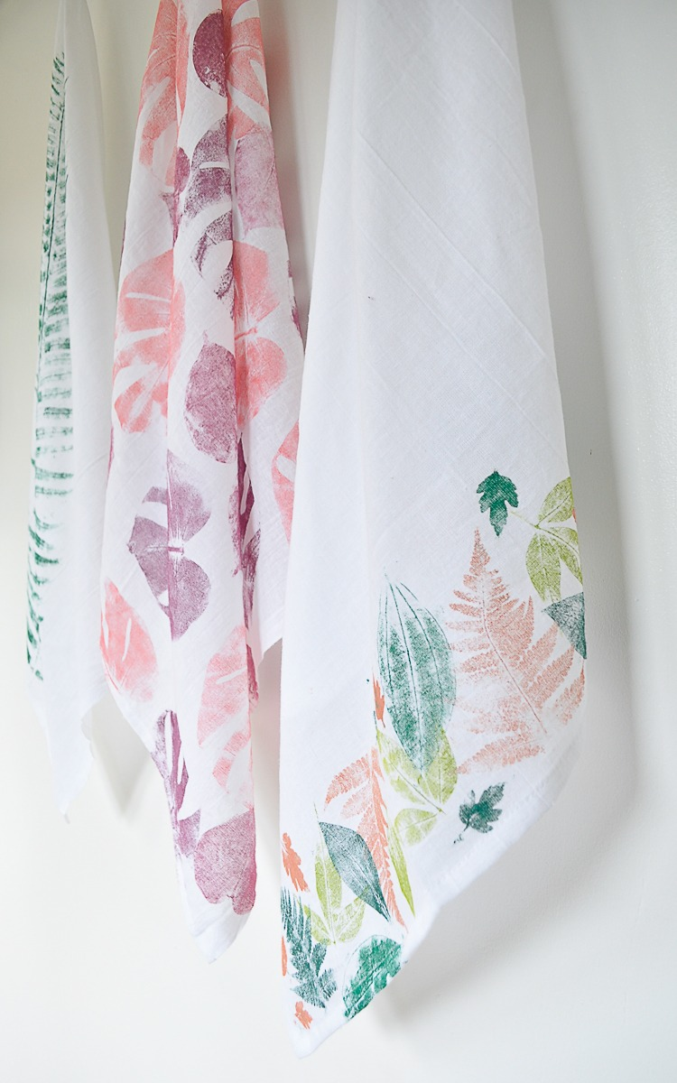 Easy diy fall tea towel with leaf printing