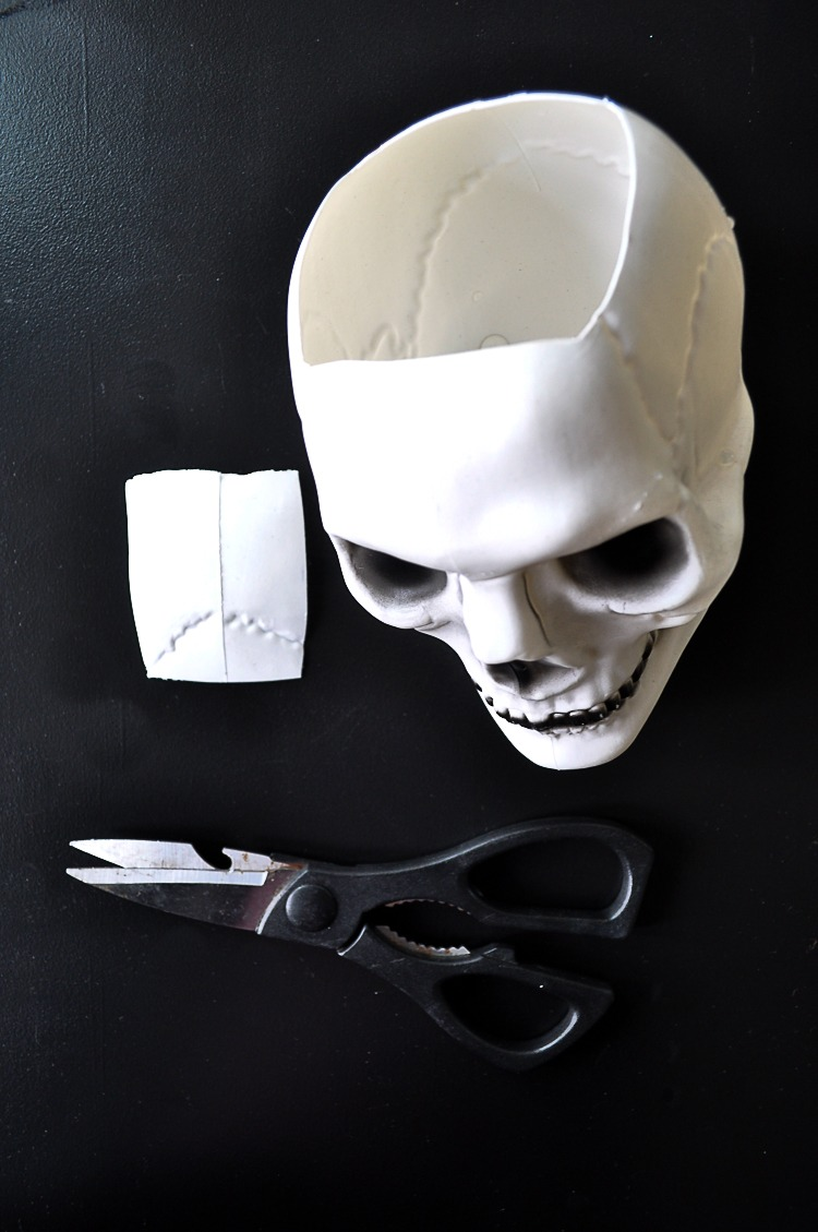 DIY tutorial for a floral skull