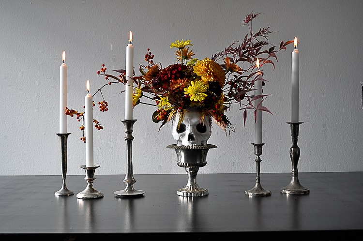Halloween DIY floral skull for a spooky table setting