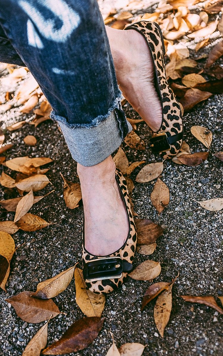 Fall OOTD with leopard print shoes