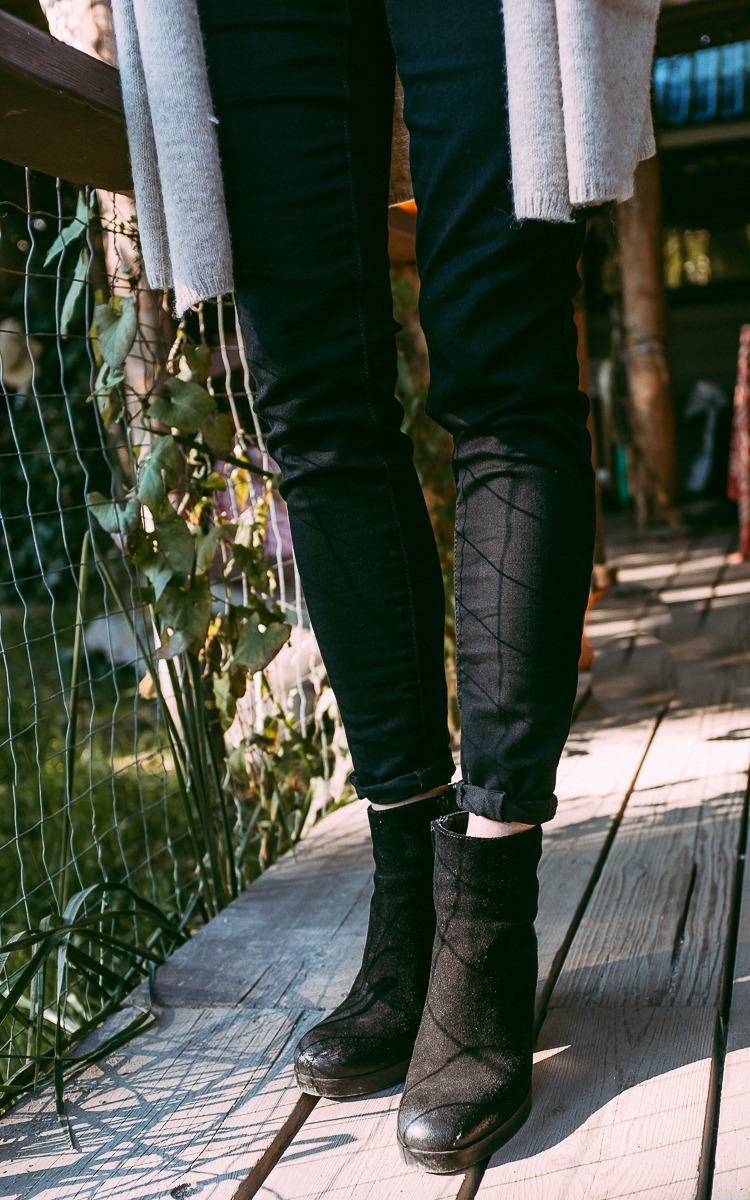 Black boots and black pants for fall