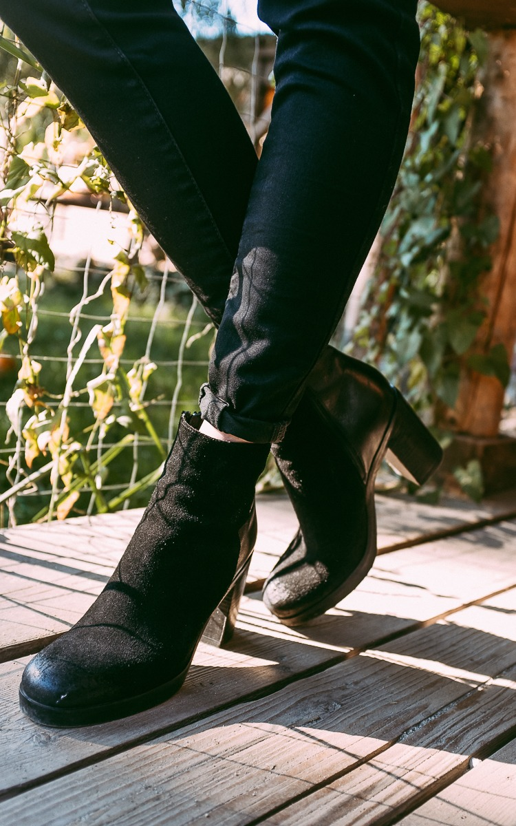 Black boots and jeans for fall
