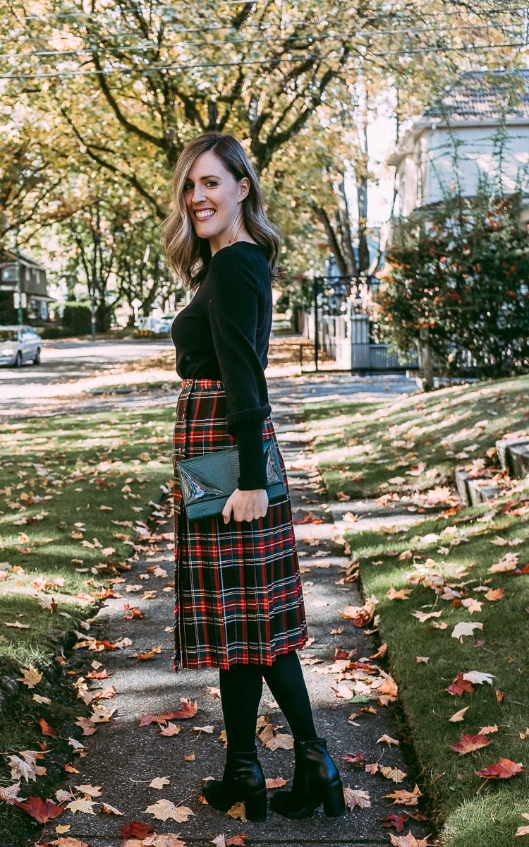 Vintage plaid skir for fall