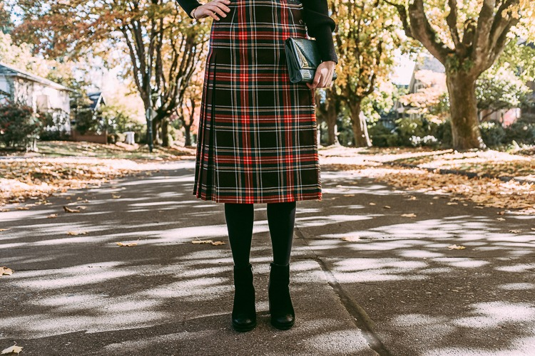 Long vintage plaid skirt for fall
