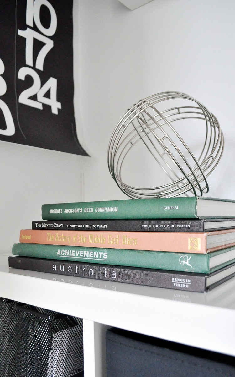 Sn easy hack to create a vintage look with thrift store books