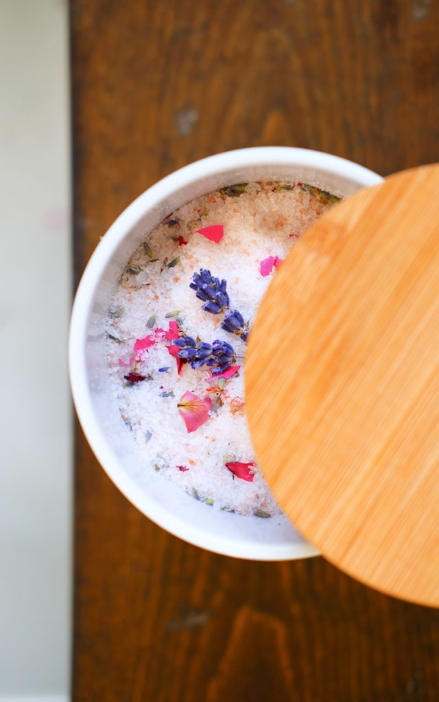 Easy diy bath salts for mother's day