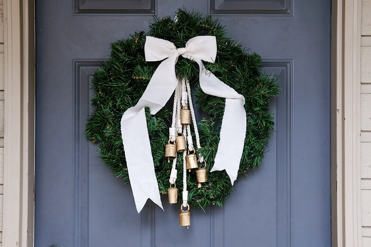DIY Holiday Wreath with vintage bells and ribbon