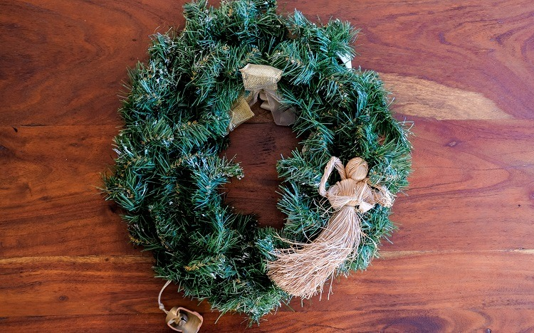 Holiday wreath makeover on a budget.